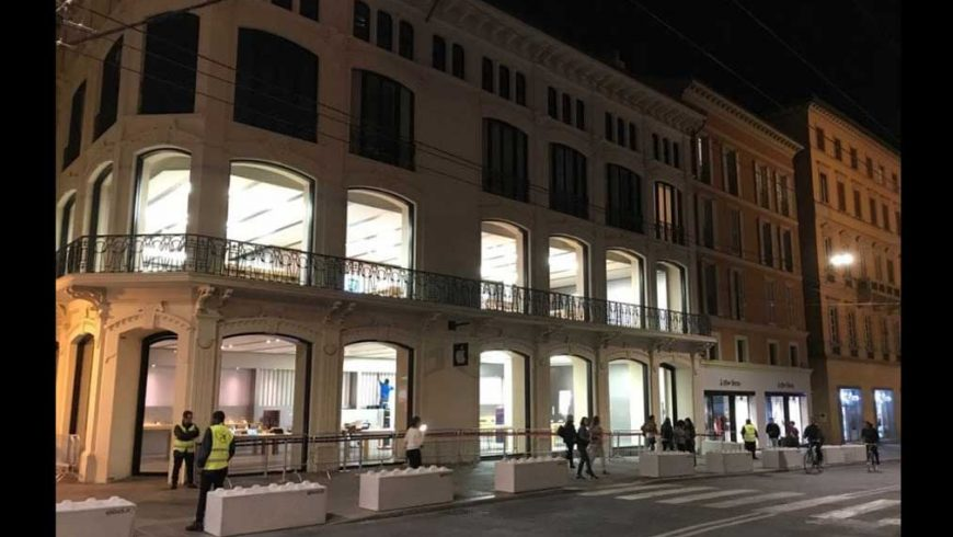 La Repubblica – Bologna.it – Barriere anticedimento davanti all'Apple Store